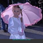 AK-Jeune-fille-ombrelle