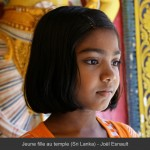 JE Jeune fille au temple (Sri Lanka)_2010-04-16B_046__L1000px+Titre